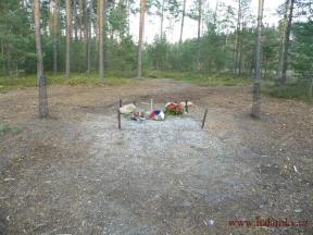 Zničený pomník Adama Ruso<br>